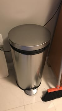 Stainless steel trash can Falls Church, 22043