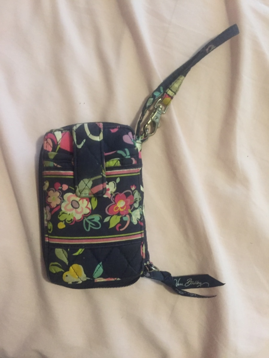 Green Red And Black Floral Clutch Bag In Texarkana - Letgo