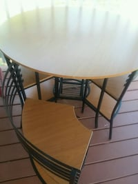 Table with 4 chairs Jefferson City, 37760