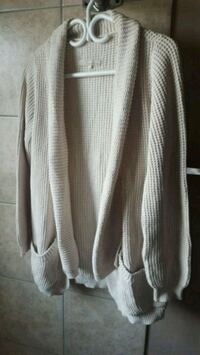 Monk & Lou knit cardigan size small Surrey, V3T