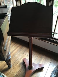 brown wooden music note stand Santa Monica, 90403