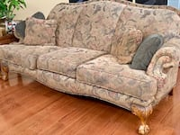 gray and white floral fabric 3-seat sofa Columbia, 29223