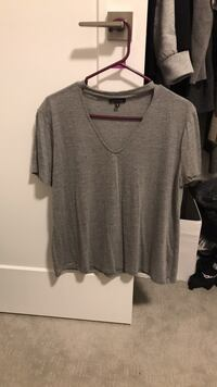 gray V-neck t-shirt Kelowna, V1P 1T6