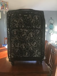 Mickey Mouse suitcase  Clifton Heights, 19018