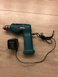 black and blue Makita cordless hand drill Toronto, M1W 3Y1