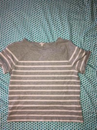 gray and white striped crew-neck shirt Rogersville, 37857