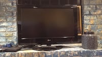 27 inch LG Television, good condition, come with remote.