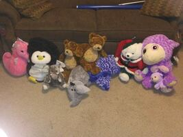 Large stuffed animal lot