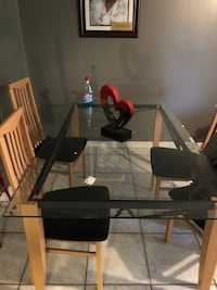 Dining table with chairs  Orlando, 32811