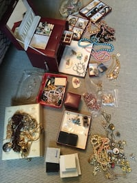 Estate sale - costume jewellery Winnipeg, R3R 2N4