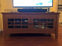 Wooden sideboard/tv stand New Westminster, V3M