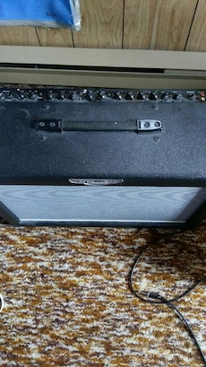 black and grey guitar amplifier