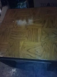 Solid wood table Wichita, 67214