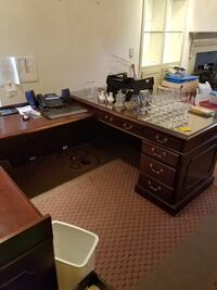 Professional Business Wooden Desks .  FREE.  Must go ASAP. Alexandria, 22314