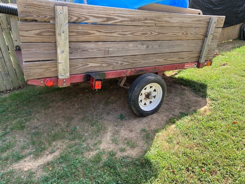 Hauling trailer with clean title in hand 78bf5f34-21f1-42fa-bbd9-19ba664abadd