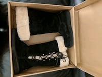 UGG Boots with the fur :) USA size 7 Anchorage, 99502
