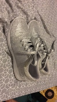 gray-and-white low-top sneakers