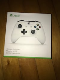 white Xbox One wireless controller box North Bay Village, 33141