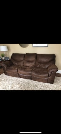 Reclining 3 seat sofa and reclining Loveseat. Sold as a set for $1,000. Youngstown, 44514