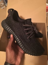 (Used) Yeezy Pirate Black....will shipped OFS with CashApp payment only Lakewood, 98499