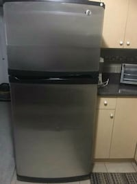 black top-mount refrigerator Surrey, V3W 1R1