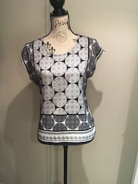 The Limited ladies top size small Oakville, L6H 1Y4