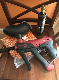 Triumph eXT paintball gun with face sheild, cartridge and paintballs