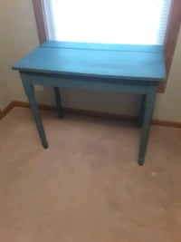 Antique hand made kitchen table Martinsburg, 25405