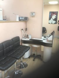Manicure station for rent if you have customer go with commission   Gaithersburg, 20877