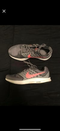 pair of gray Nike running shoes Jacksonville, 28539