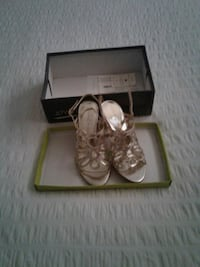 BNW-TAGS  GOLD SHOES SIZE 6  PD 125.00 Surrey, V4N 2B5