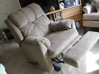 gray fabric 3-seat sofa Wasaga Beach