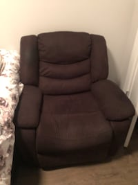 Power Recliner w remote