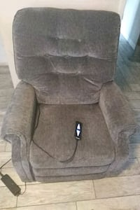 !! Catnapper hydrolic recliner\sleeper MUST GO!!! Englewood, 34223