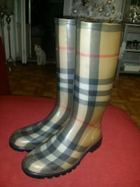Burberry boots, womens size 7 Chicago, 60609