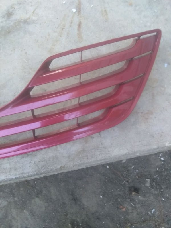 (Phone number hidden by letgo) TA CAMRY FRONT GRILLE 6