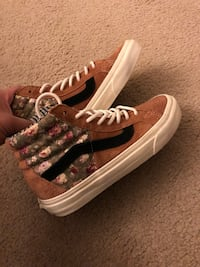 Womens vans Virginia Beach, 23454