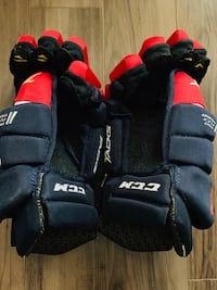 BRAND NEW CCM Hockey Gloves Size 15 Mississauga, L5A 1C1