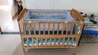 baby's brown wooden crib Ahmedabad, 380007