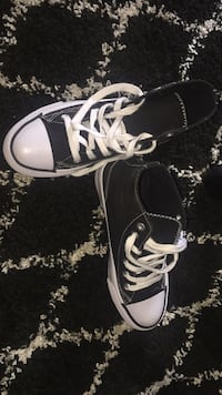 AIR WALK Canvas lace-up sneakers in Black and white . Calgary, T3C 0W5