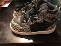Jordan's 1 retro high size 6c 43 km
