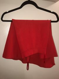BCBG red flowy  skirt 537 km