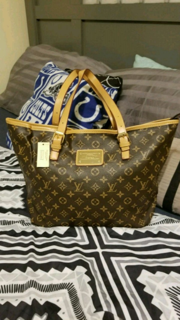 42a6abe2d076 Used Louis Vuitton Monogram Canvas leather tote bag for sale in ...