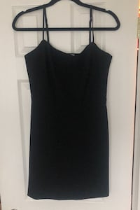 Wilfred black mini dress size 10 , paid 138. Never worn  Oakville, L6M 4N7