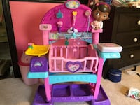 Doc McStuffins All-in-One Baby Nursery Reston