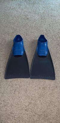 Youth swimming fins Snellville, 30039