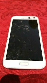 Samsung Galaxy S5 (cracked screen)