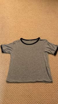 Gray and black crew-neck t-shirt Thousand Oaks, 93012