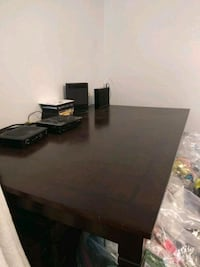 Dinning  table whit 4 chairs 1 chair can be fix  w Vancouver, V6B 1X3