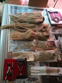 Lot of Hair Extensions Blondes  Toronto, M5H